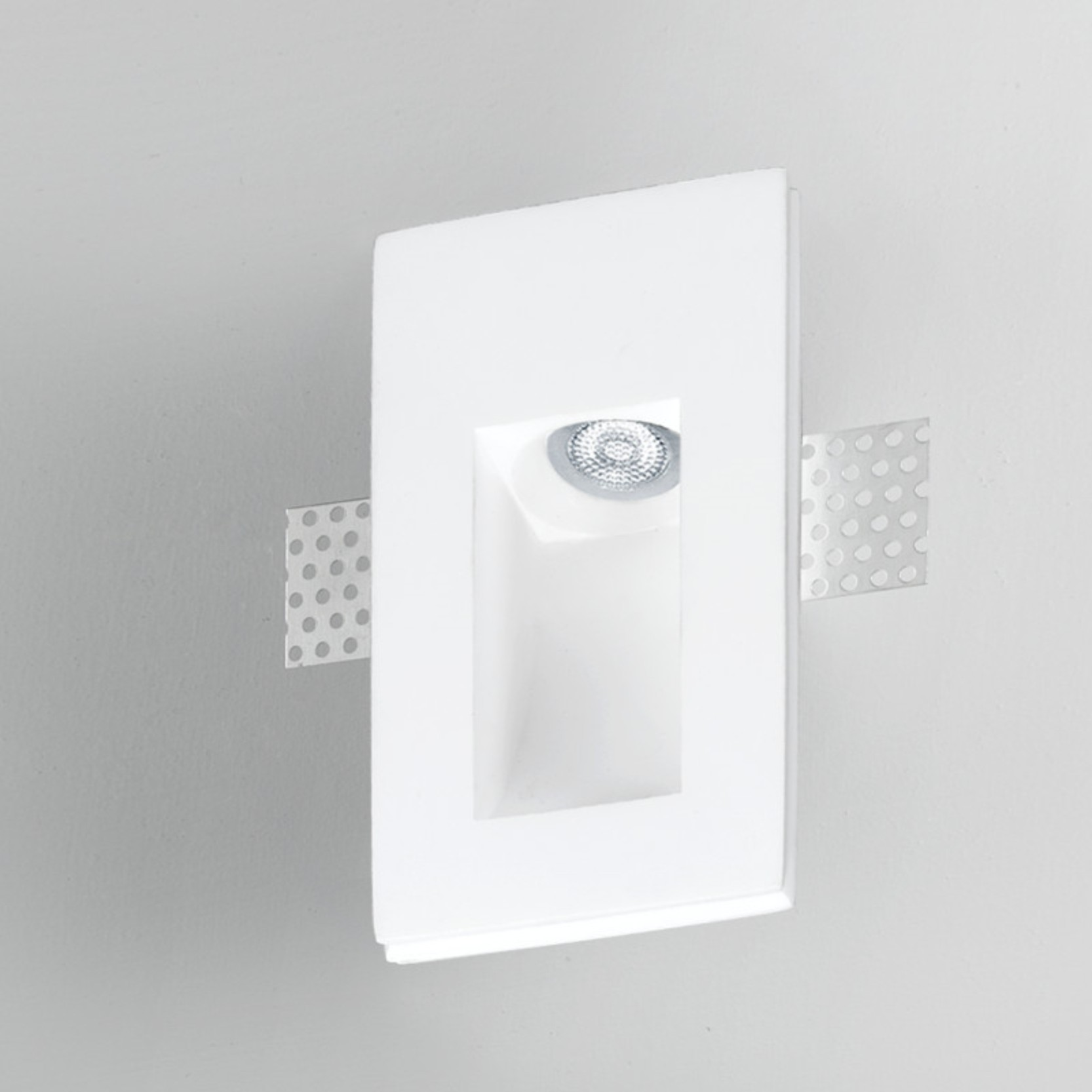 Invisibili by Panzeri – 3 1/8″ x 6 1/2″ Trimless,  offers quality European interior lighting design | Zaneen Design
