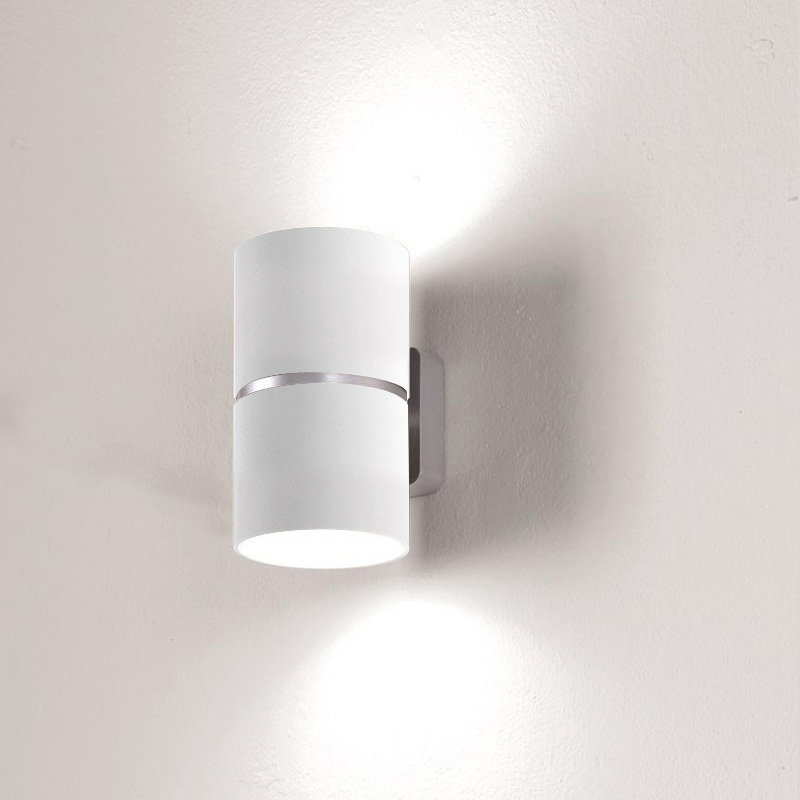 Kone by Icone – 2 3/4″ x 5 1/4″ Surface, Spots offers quality European interior lighting design | Zaneen Design