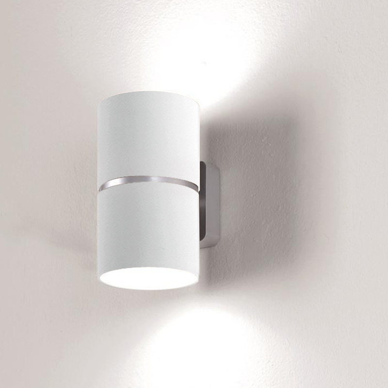 Kone by Icone – 3 15/16″ x 6 5/8″ Surface, Spots offers quality European interior lighting design | Zaneen Design