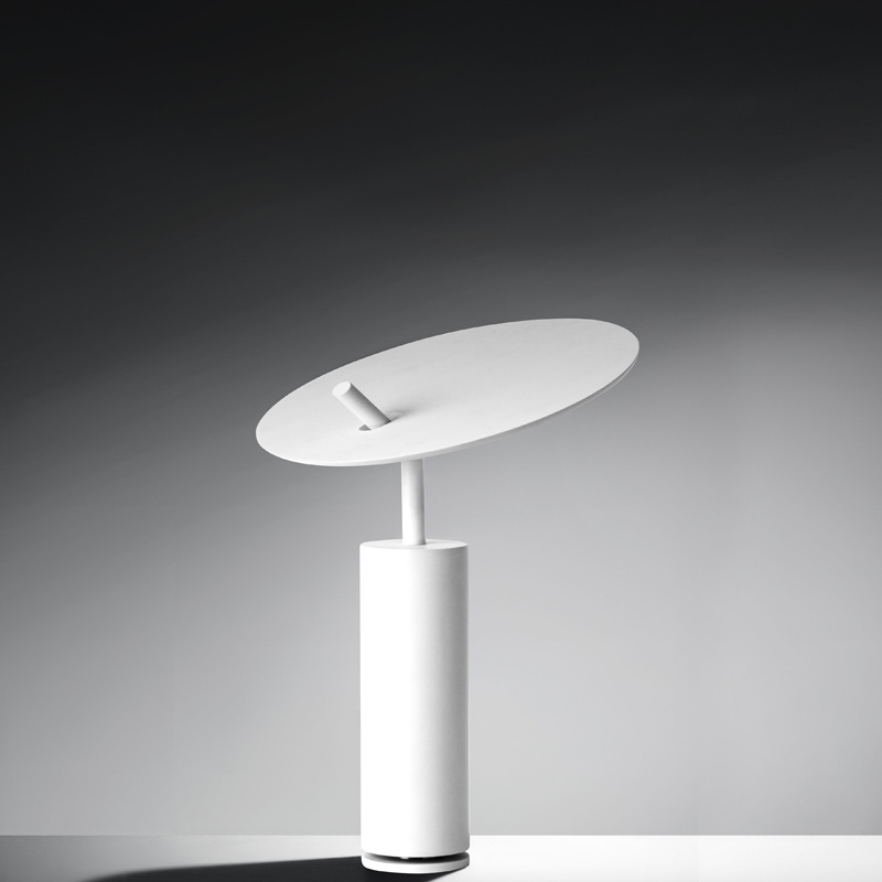 Lua by Icone – 8 11/16″18 1/8″ Portable, Ambient offers quality European interior lighting design | Zaneen Design