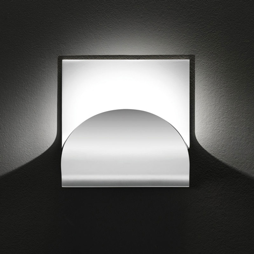 Incontro by Cini&Nils - Surface light applicable for wall or ceiling as indirect light