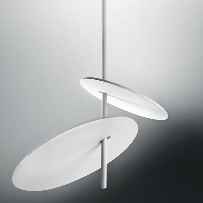 Lua by Icone - Design suspension application with adjustable indirect lighting