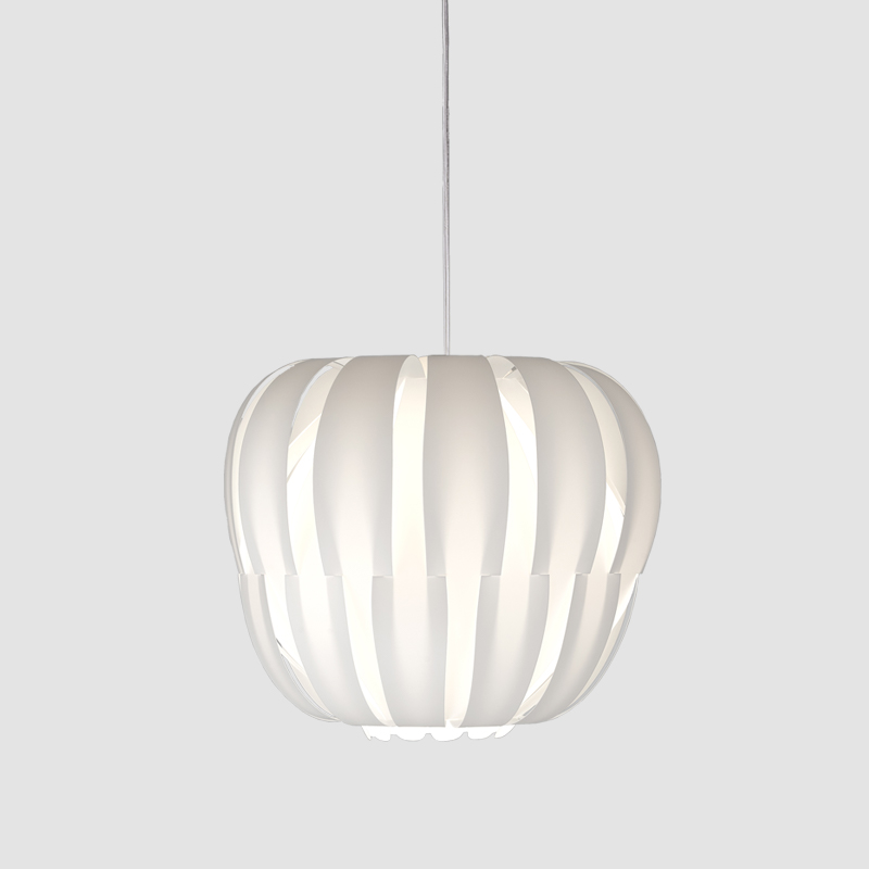 Queen by Linea Zero - Elegant lamp for centrepiece of any room giving a glamour striped lighting effect